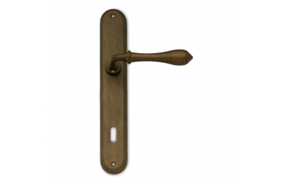 Country Sicma Handle on Plate