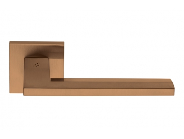 Electra Vintage Mat Finish Door Handle on Rosette with New York Style by Colombo Design