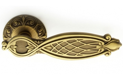 Ramses Classique PFS Pasini Brass Door Handle with Round Rosette